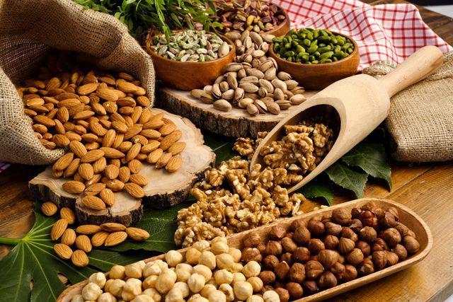 la-frutta-secca-fa-bene-proprieta-nutritive-benefici.jpg