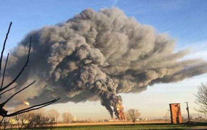 enorme-nube-tossica-fonte-immagine-corriere-it-3bmeteo-75811.jpg
