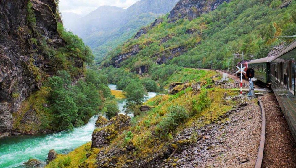 treno-panoramico-norvegia_th_1217.jpg