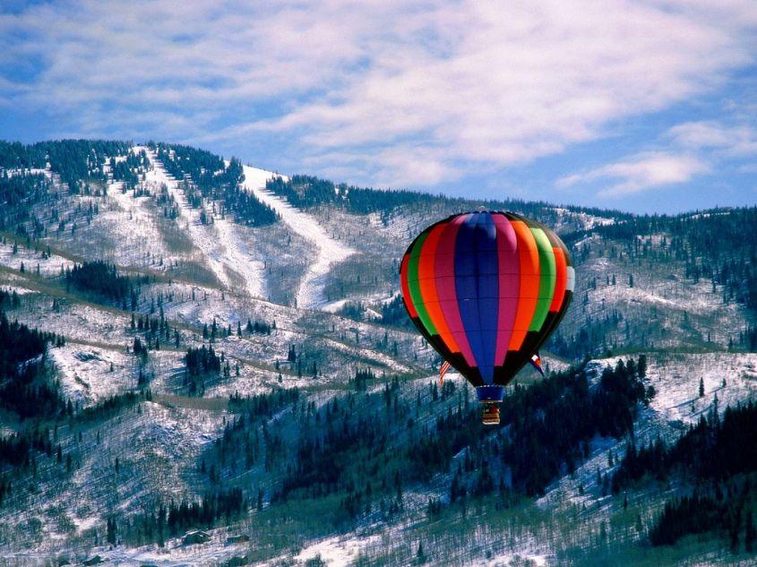mongolfiera-montagne.jpg
