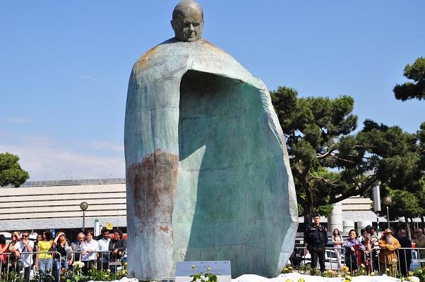 statue-02.jpeg