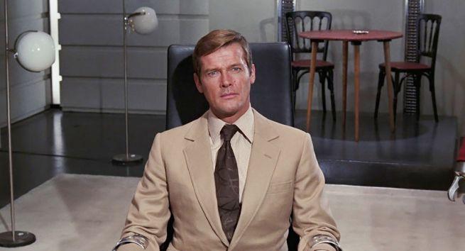 stasera-in-tv-agente-007-vivi-e-lascia-morire-su-rai-3-3.jpeg