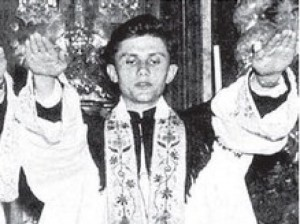 Ratzinger-Joseph-Saluto-vero-300x224.jpg