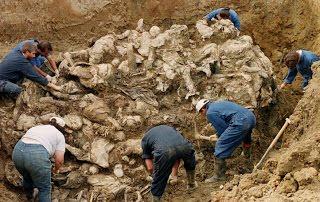Bosnia-Srebrenica-Fossa-Comune.jpg