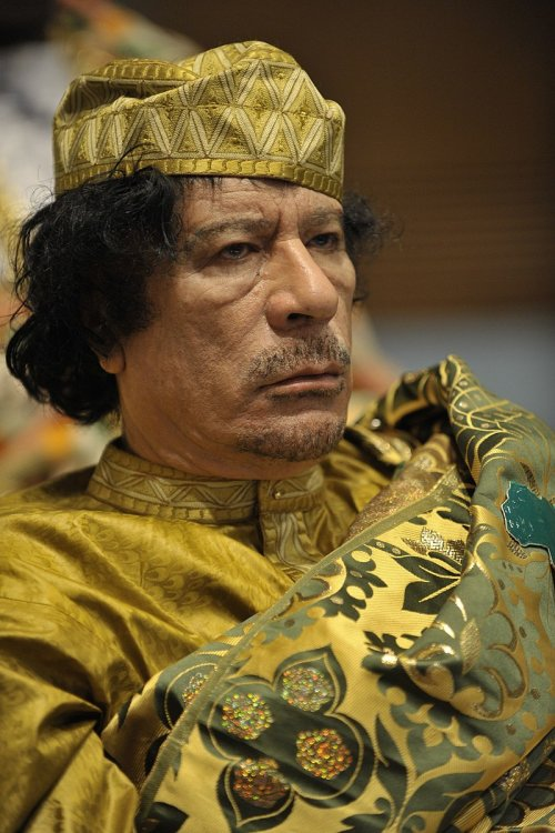 800px-Muammar_al-Gaddafi_at_the_AU_summit.jpg