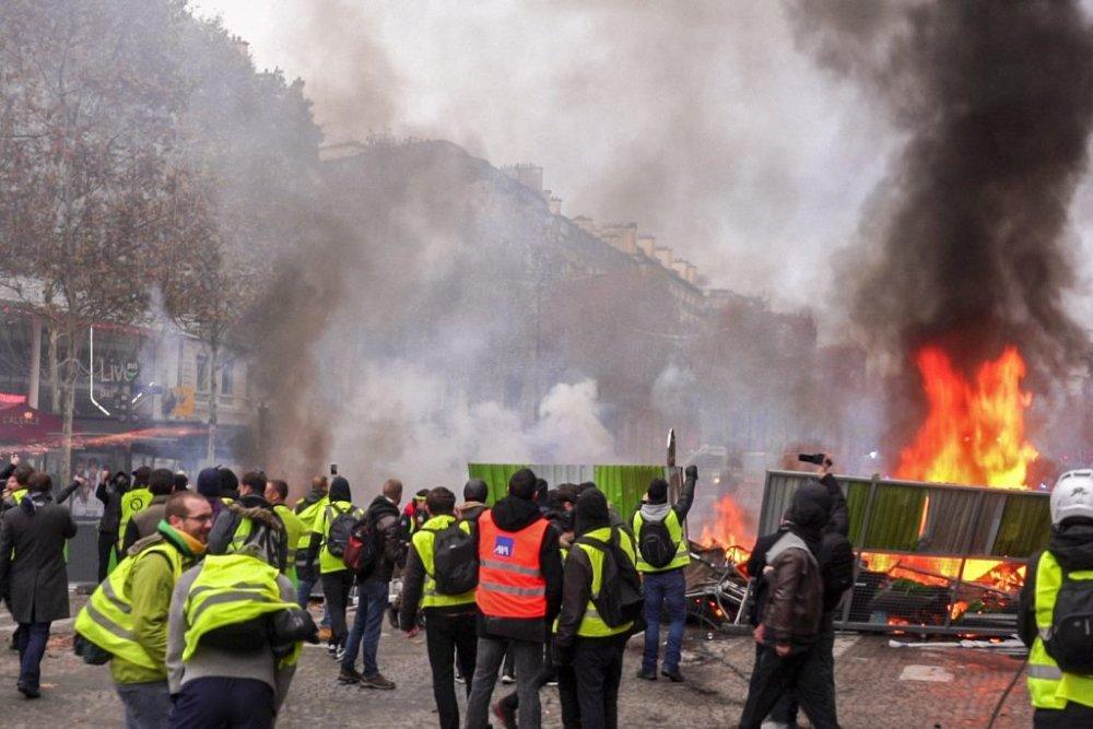 protesta-gilet-gialli-francia3-1024x683.jpg