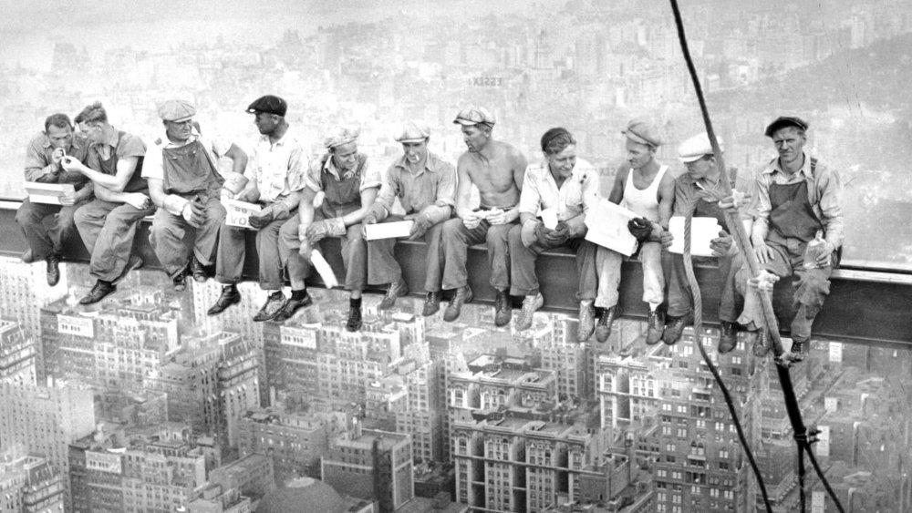 Lunch-atop-a-Skyscraper.jpg