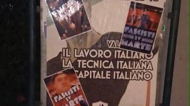 manifesti-estrema-destra-ricoperti-di-locandine-di-fascisti-su-marte-473487.660x368.jpg